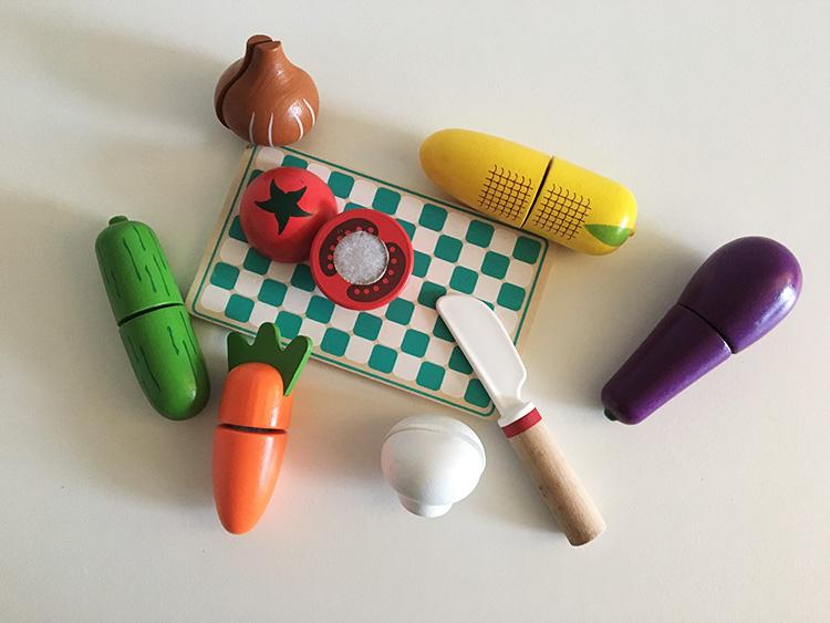 zabawki jedzenie drewno