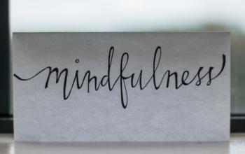 Mindful eating czyli co magicznego z wigilijnej kolacji warto przenieść na wszystkie swoje posiłki?